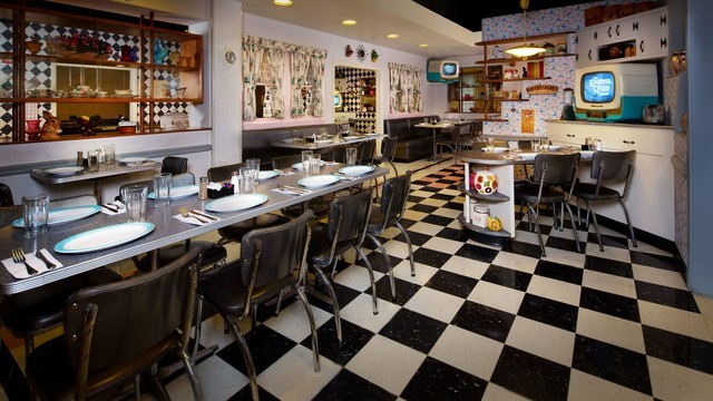 Pros and cons of every Hollywood Studios restaurant - 50s Prime Time Cafe (dinner)