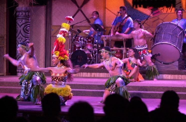 Polynesian Villas & Bungalows - Spirit of Aloha (dinner)
