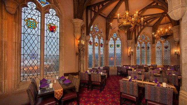 Pros and cons of all Magic Kingdom restaurants - Cinderella's Royal Table (breakfast)