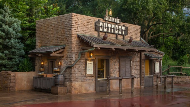 Pros and cons of all Magic Kingdom restaurants - Golden Oak Outpost (lunch)