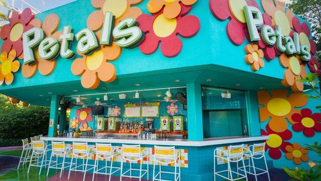 Pop Century Resort - Petals Pool Bar