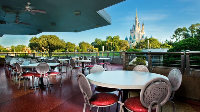 Pros and cons of all Magic Kingdom restaurants - Tomorrowland Terrace Restaurant (dinner)