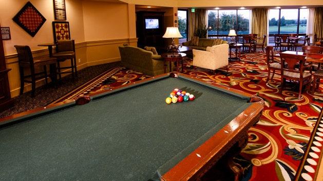 Saratoga Springs Resort - The Turf Club Lounge