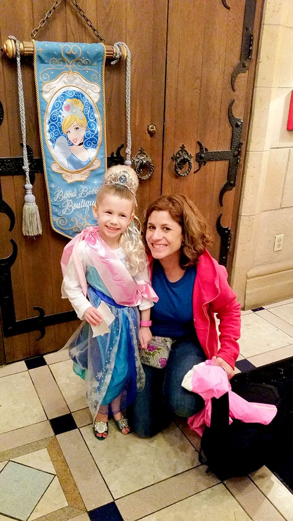 12 Mom and daughter shot at the front door of BBB - Bibbidi Bobbidi Boutique review/tips