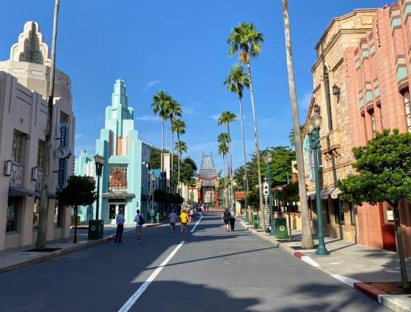 Walkling into Hollywood Studios