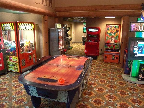 arcade at wilderness lodge walt disney world