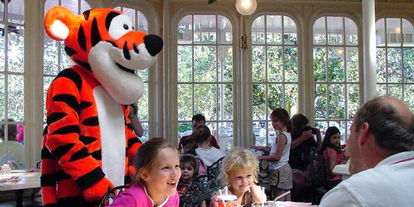 Crystal Palace 600x300 - The best 8-day Disney World itinerary for families