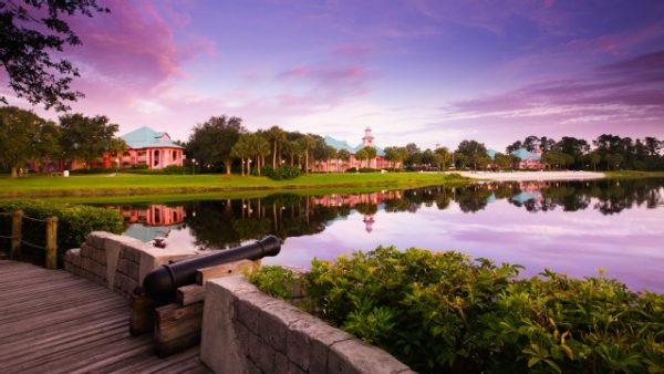 caribbean beach resort gallery01 600x338 - Resorts for families of 5 at Disney World (from least to most expensive)