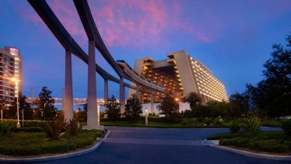 contemporary resort gallery01 600x338 - Resorts for families of 5 at Disney World (from least to most expensive)