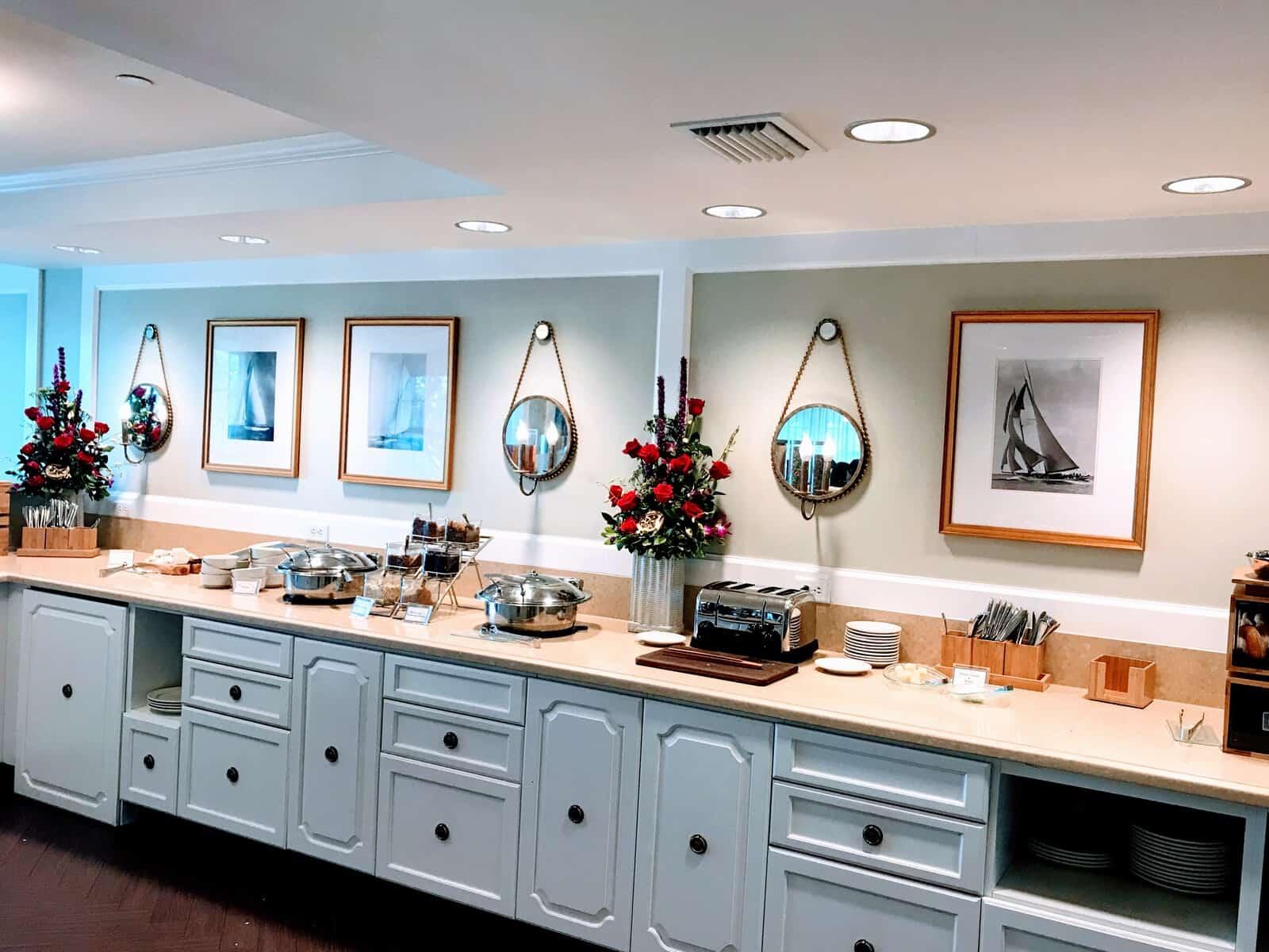 Club Level Lounge at Yacht Club