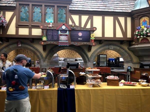 Early Morning Magic buffet 600x450 - A guide to Early Morning Magic – Fantasyland at Magic Kingdom