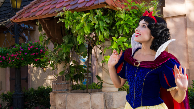 Germany – Snow White (character meet)