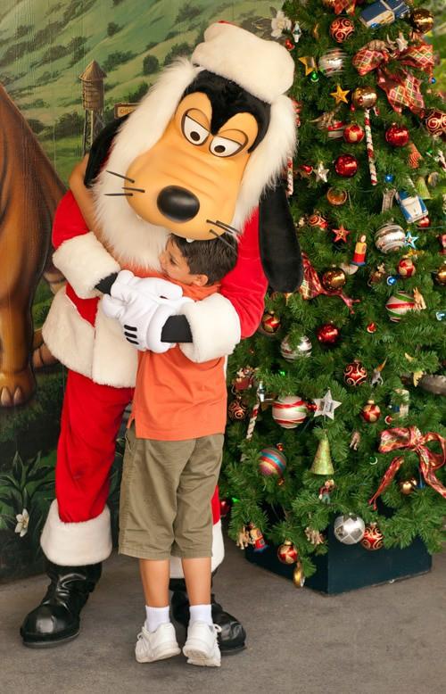Santa Claus & Goofy Santa (character meet)