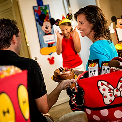In room birthday - Our favorite ideas for celebrating a birthday at Disney World