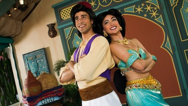 MK character meet aladdin 00 600x338 - Complete guide to Magic Kingdom rides and attractions