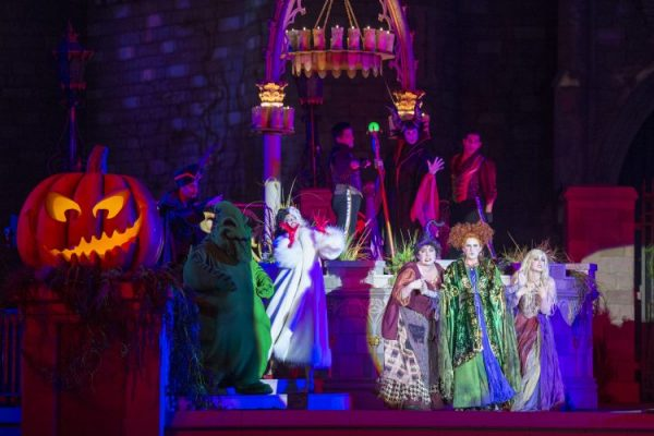 Hocus Pocus Villain Spelltacular at Mickey's Not So Scary Halloween Party