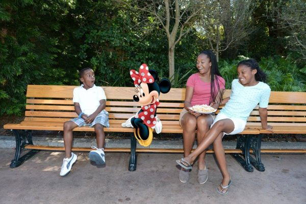 Magic shot Minnie Mouse