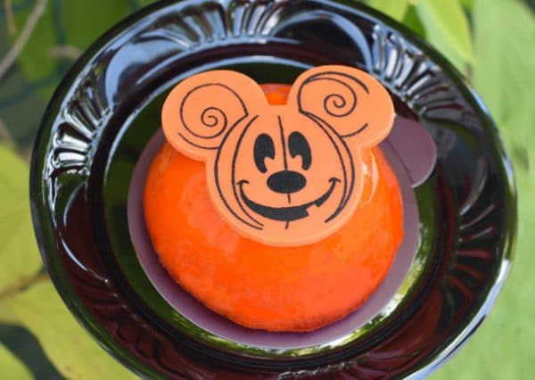 MainStBakeryhalloween 600x426 - Tickets now on sale for Mickey's Not-So-Scary Halloween Party