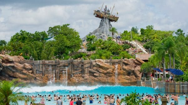 Typhoon Lagoon at Disney World | Blizzard Beach or Typhoon Lagoon
