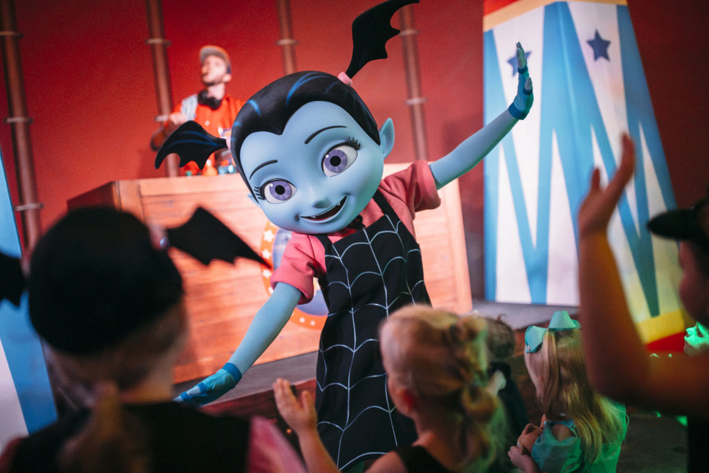 Vampirina (character meet) – Temporarily Unavailable