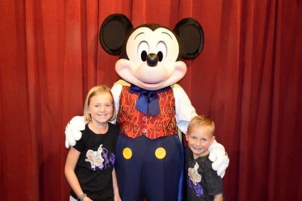 Disney's Family Magic tour meeting mickey