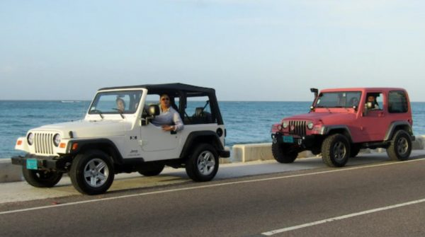 Adventure Jeeps and Beach in Nassau