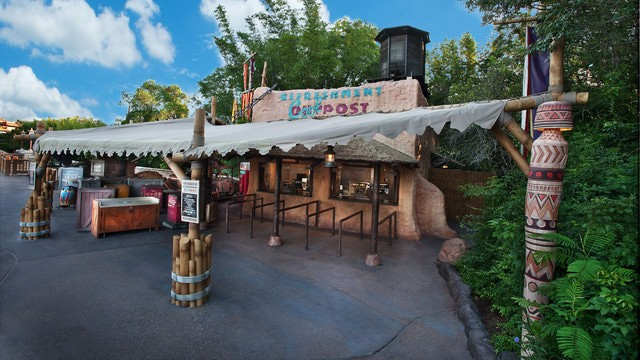 Pros and Cons for All Epcot Restaurants - Refreshment Outpost