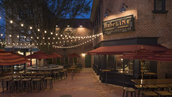 Outdoor seating at BaseLine Tap House in Hollywood Studios