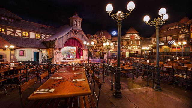 biergarten restaurant gallery00 - Animal Kingdom Lodge