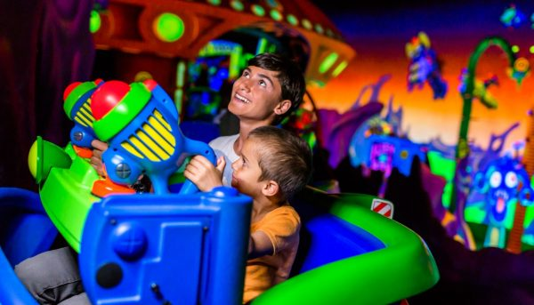 buzz lightyear space ranger spin ride vehicle