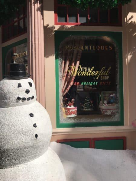 Hollywood studios christmas decorations its a wonderful shop