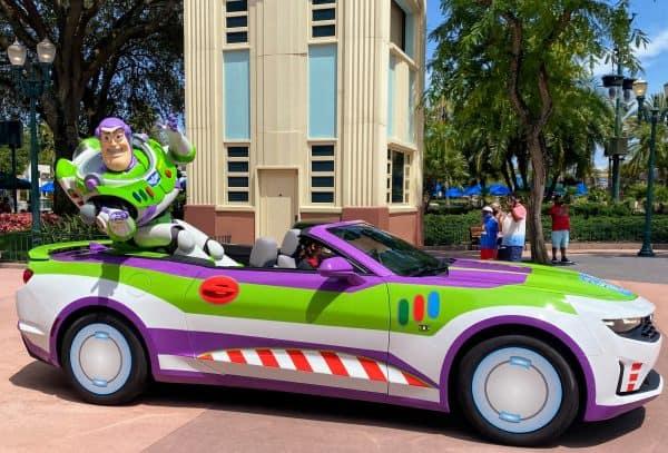 Edna in her car