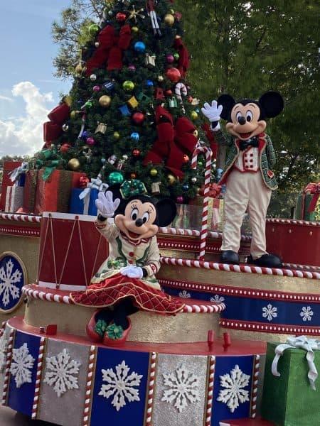 Mickey and Minnie Holiday