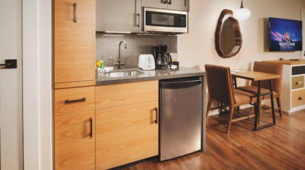 Copper Creek Deluxe Studio kitchenette