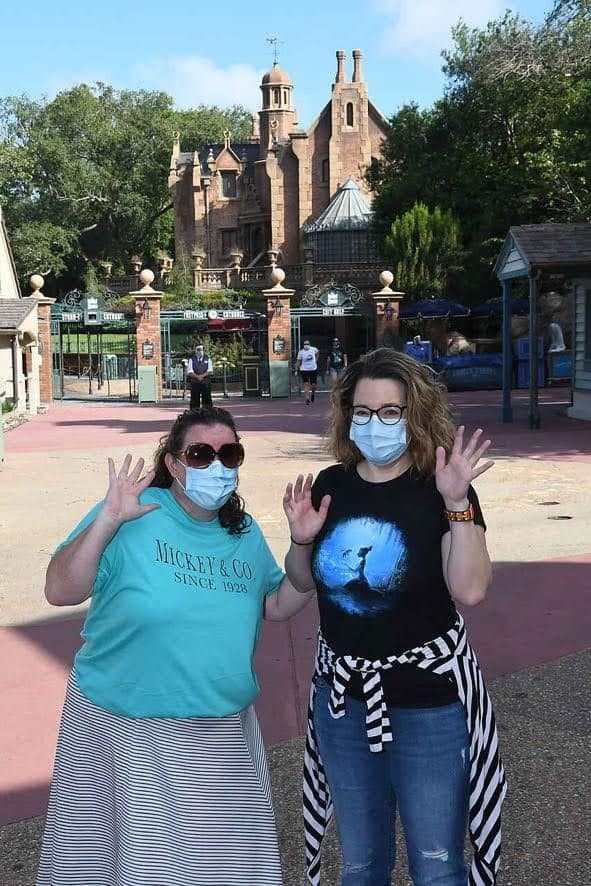 PhotoPass photo with mask