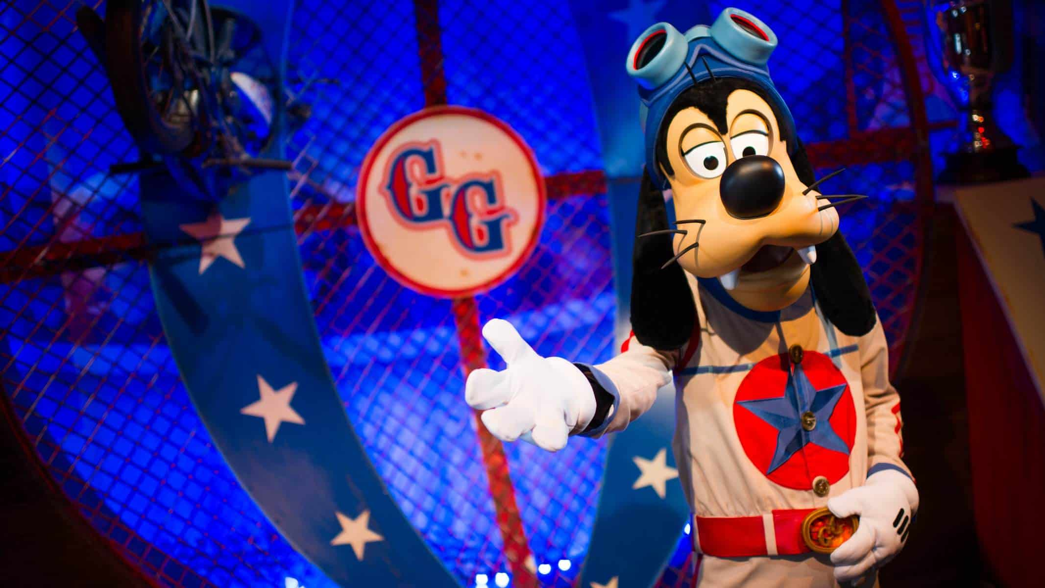 Goofy and Donald Duck (character meet) – Temporarily Unavailable