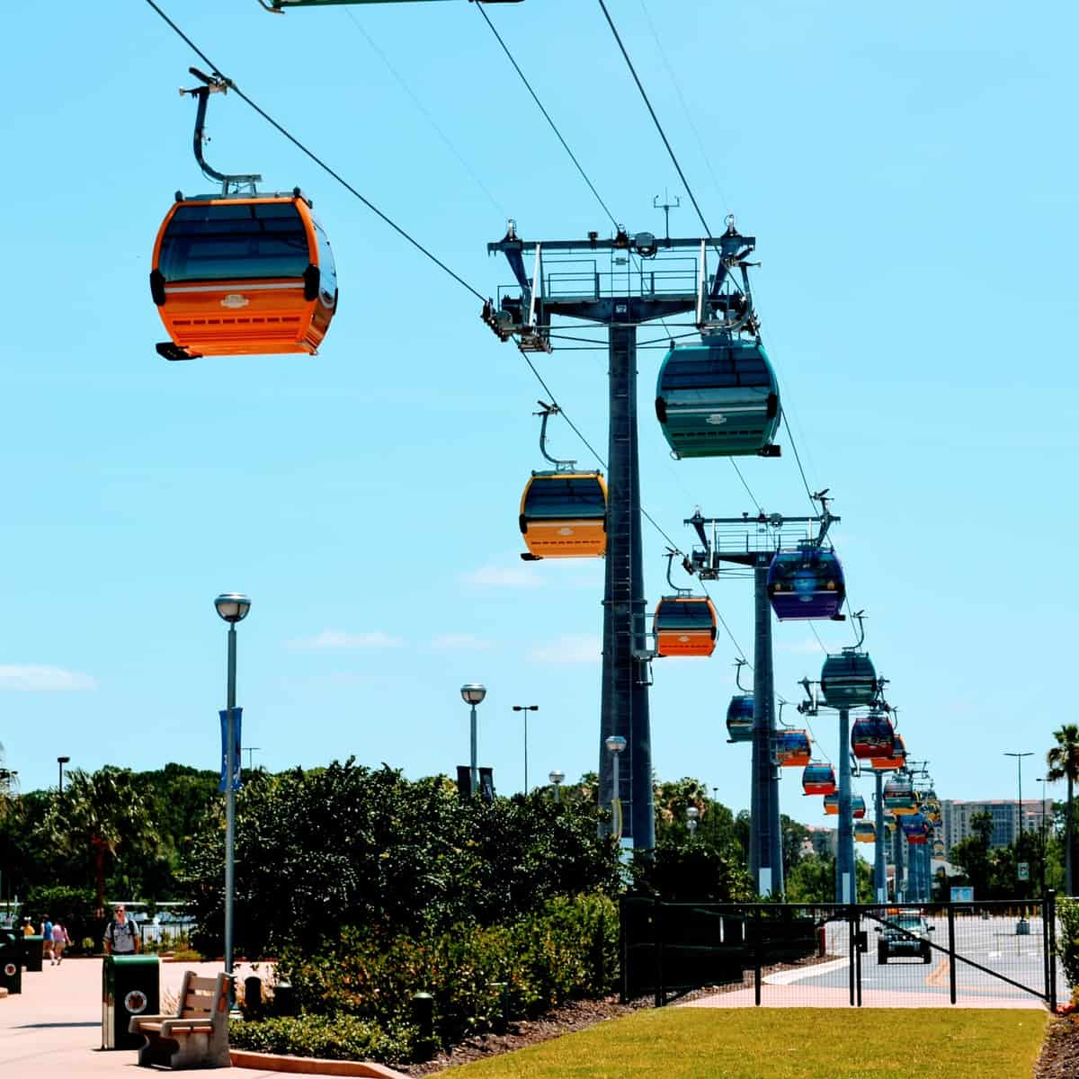 How to use Disney World transportation to navigate between any 2 points