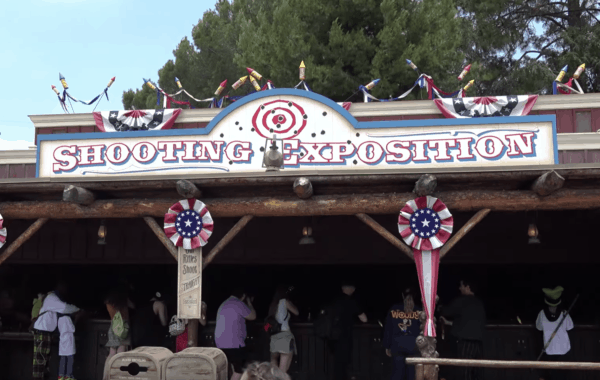 Frontierland Shooting Exposition - Disneyland