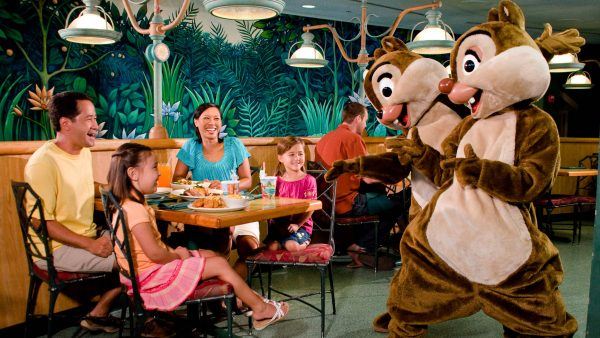 gardengrill 600x338 - The best 8-day Disney World itinerary for families