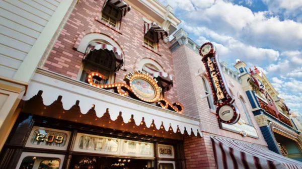 Gibson Girl Ice Cream Parlor in Disneyland