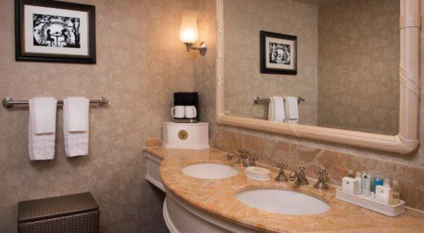 Bathroom in Grand Floridian room