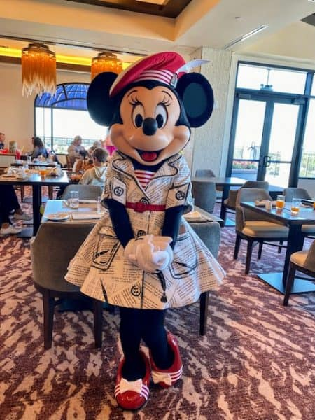 Minnie at Topolino's Terrace character breakfast