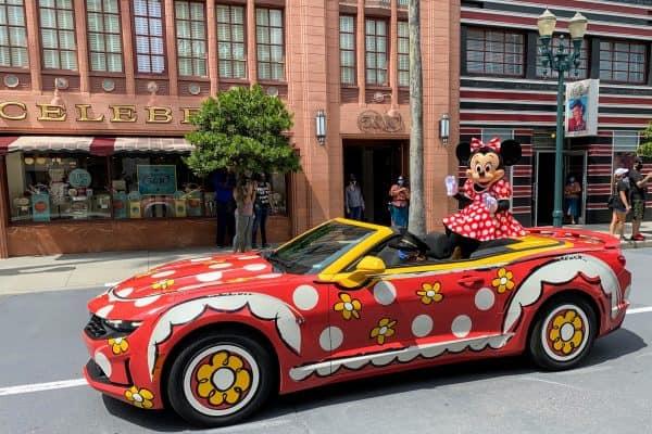 Minnie motorcade Hollywood Studios Park Hours