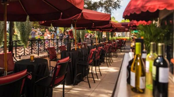 Hollywood Brown Derby Lounge outdoor seating