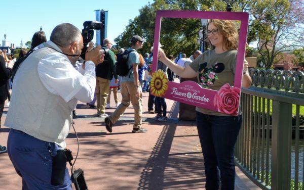Photopass photographer Memory Maker at Disney World