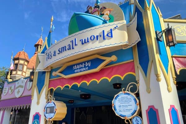 it's a small world disney world