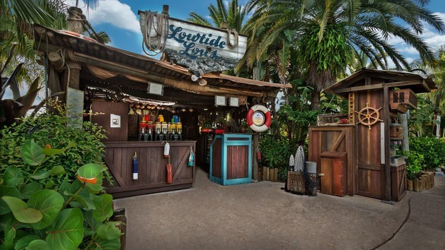 Complete Guide to Typhoon Lagoon at Disney World - Lowtide Lou's (lunch)