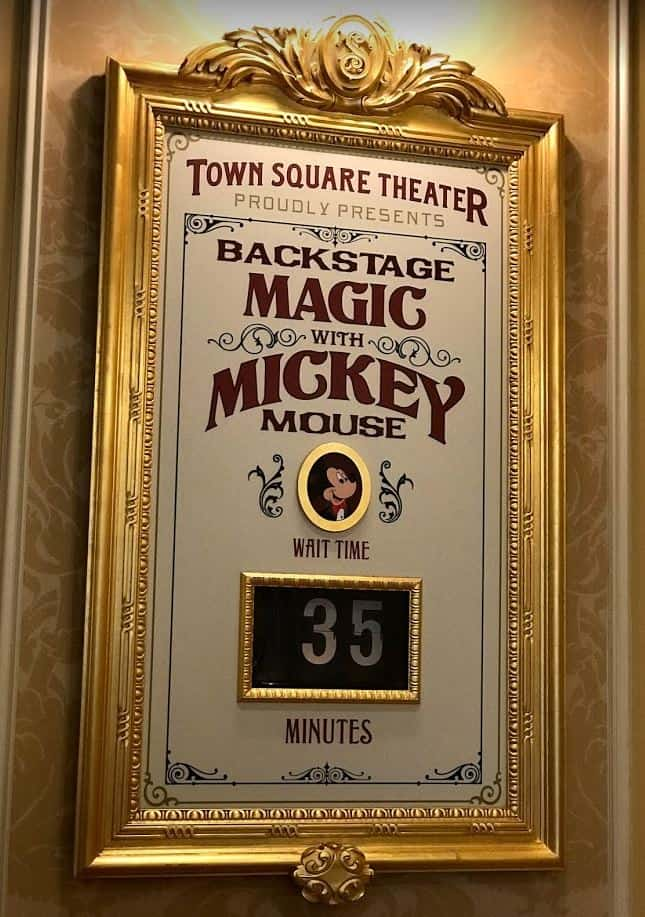 Mickey and Minnie at Town Square Theater (character meet) – Temporarily Unavailable