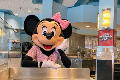 minnie at silver screen dine in hollywood studios