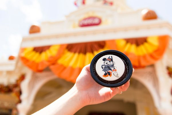 minniewitchbrownie 600x400 - 2018 Mickey's Not-So-Scary Halloween Party has begun! Here are the details.